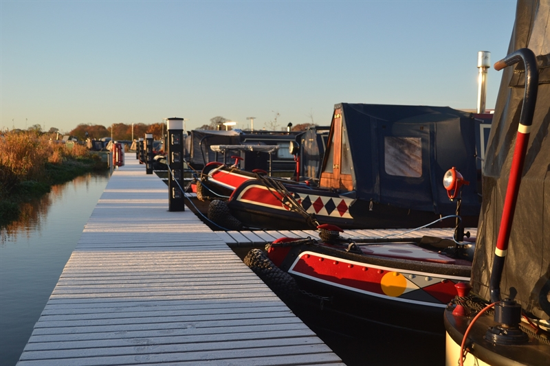 Cruise the Kennet and Avon Canal