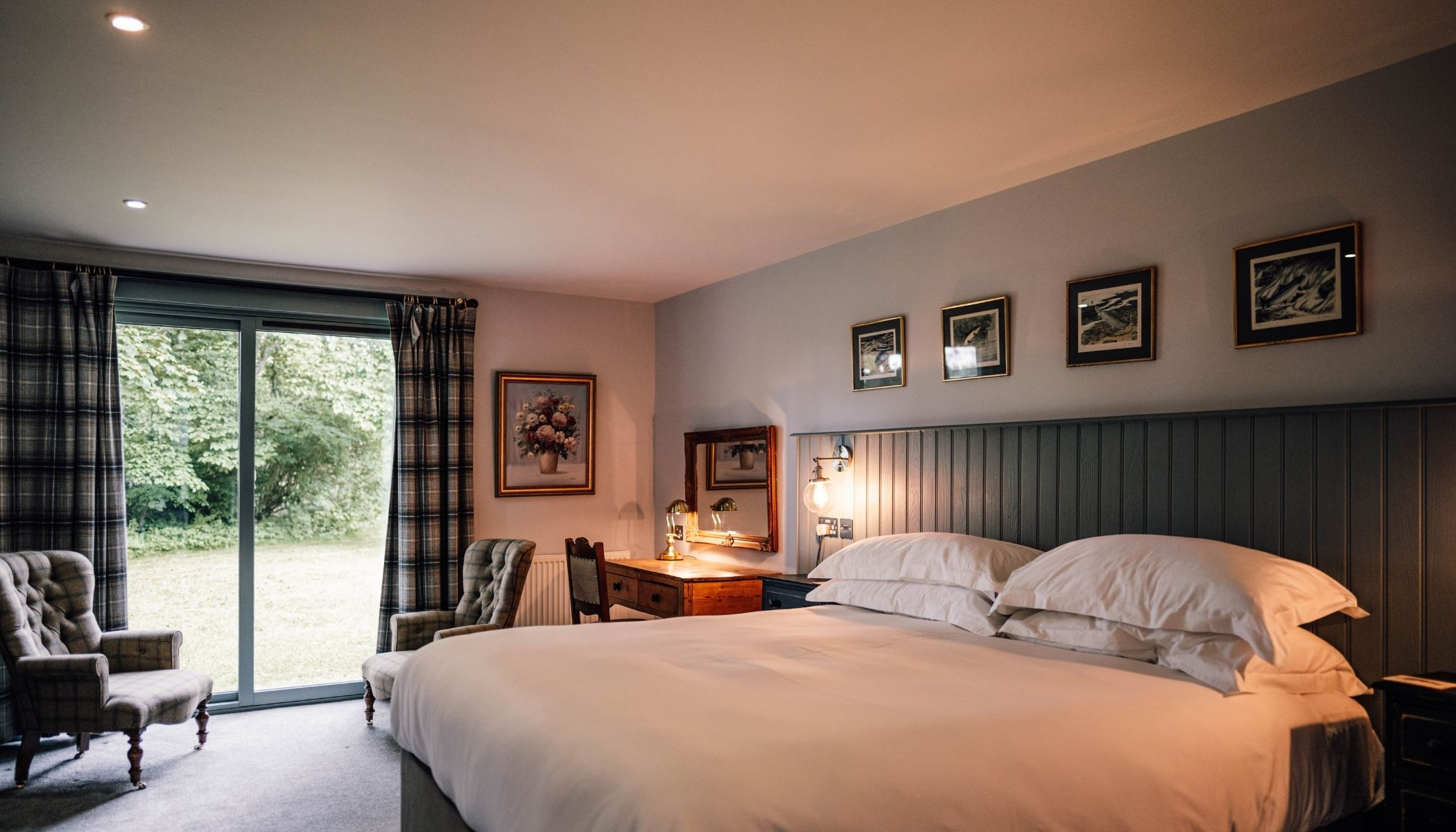 Luxurious Radclyffe Rooms
