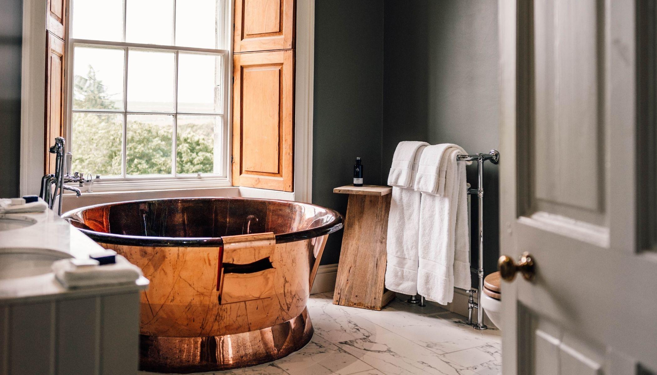 Luxury Copper Bath