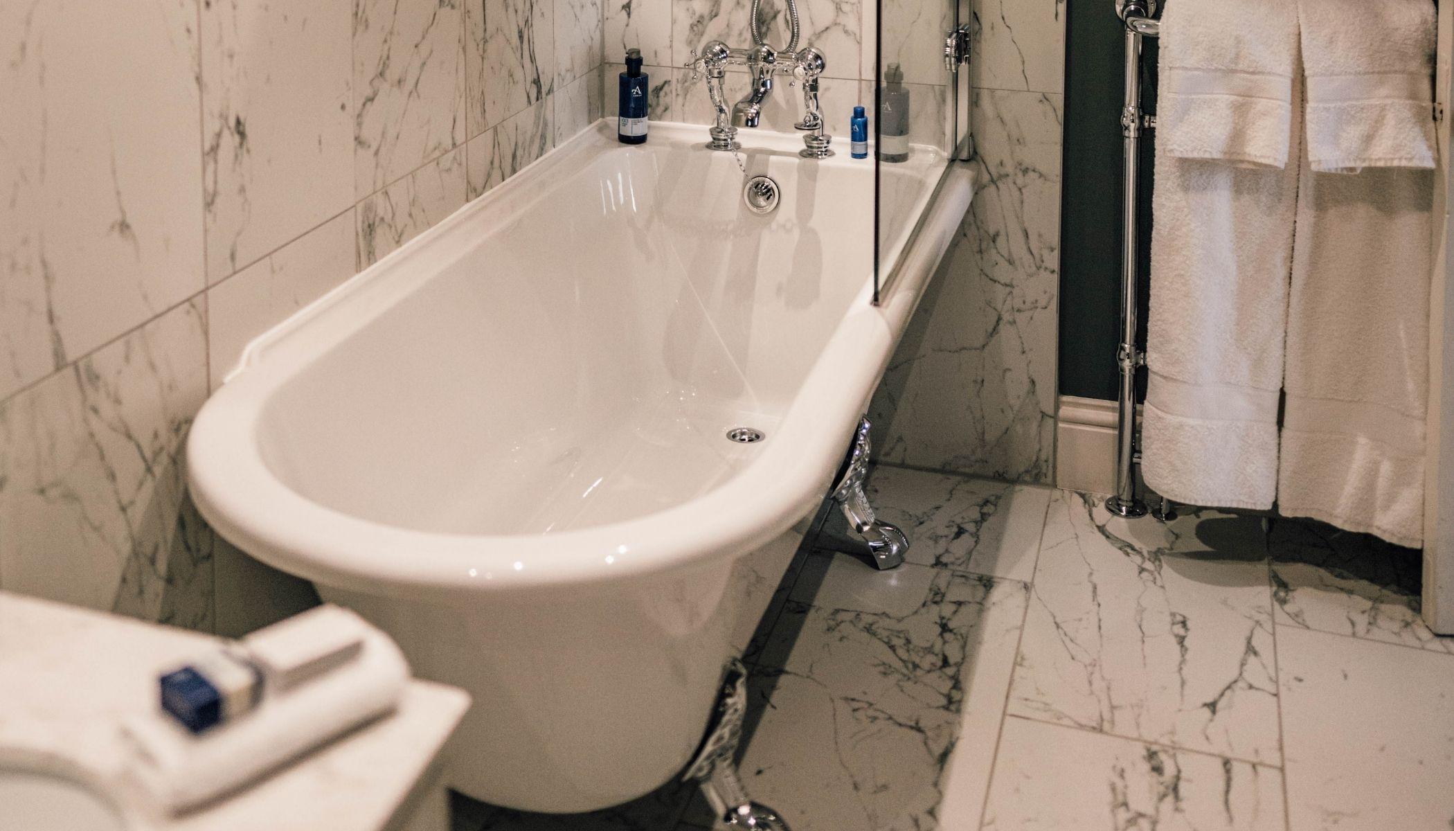 Torran - Claw-Footed Bath