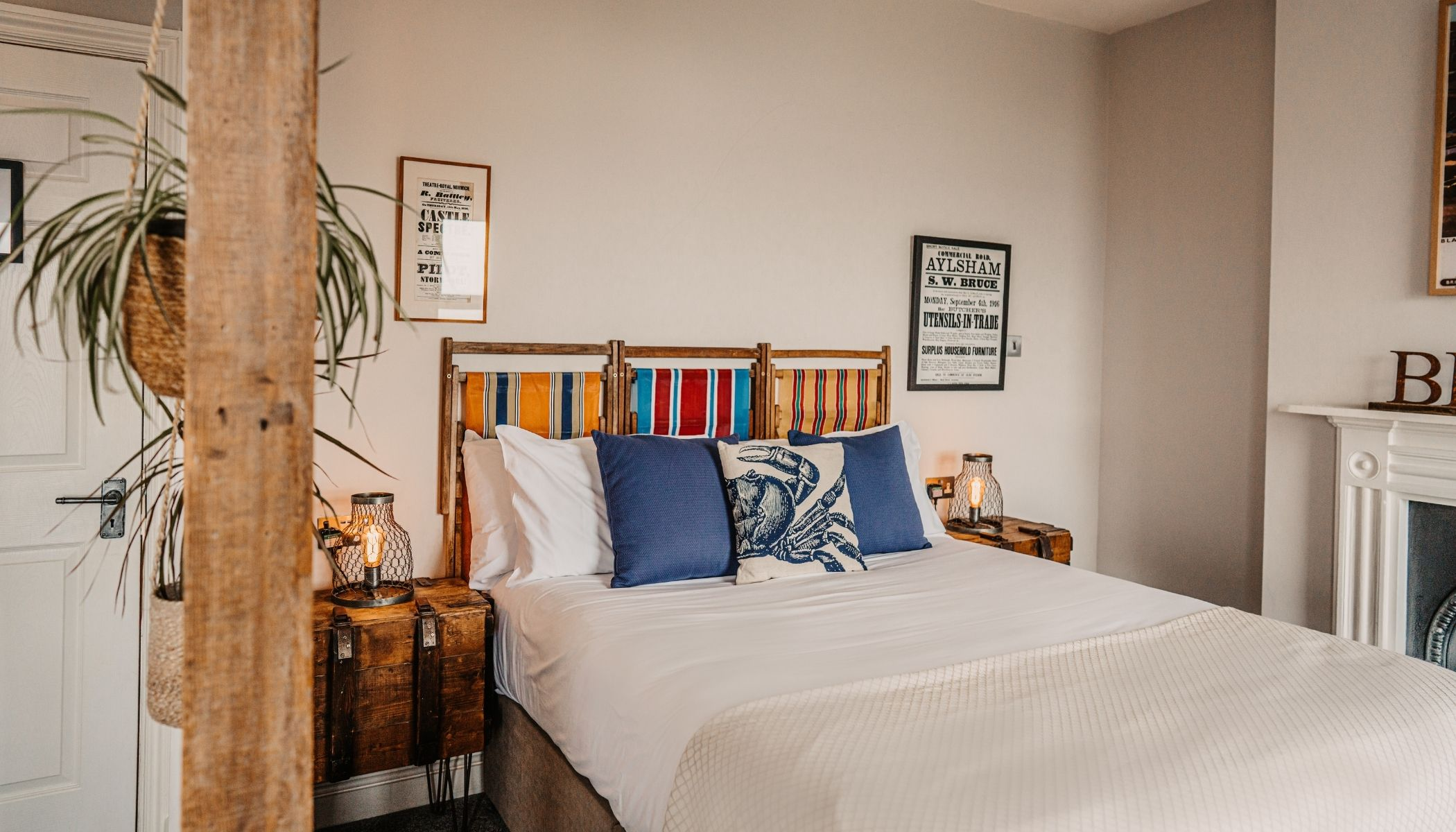 Room With Deck Chair Headboard