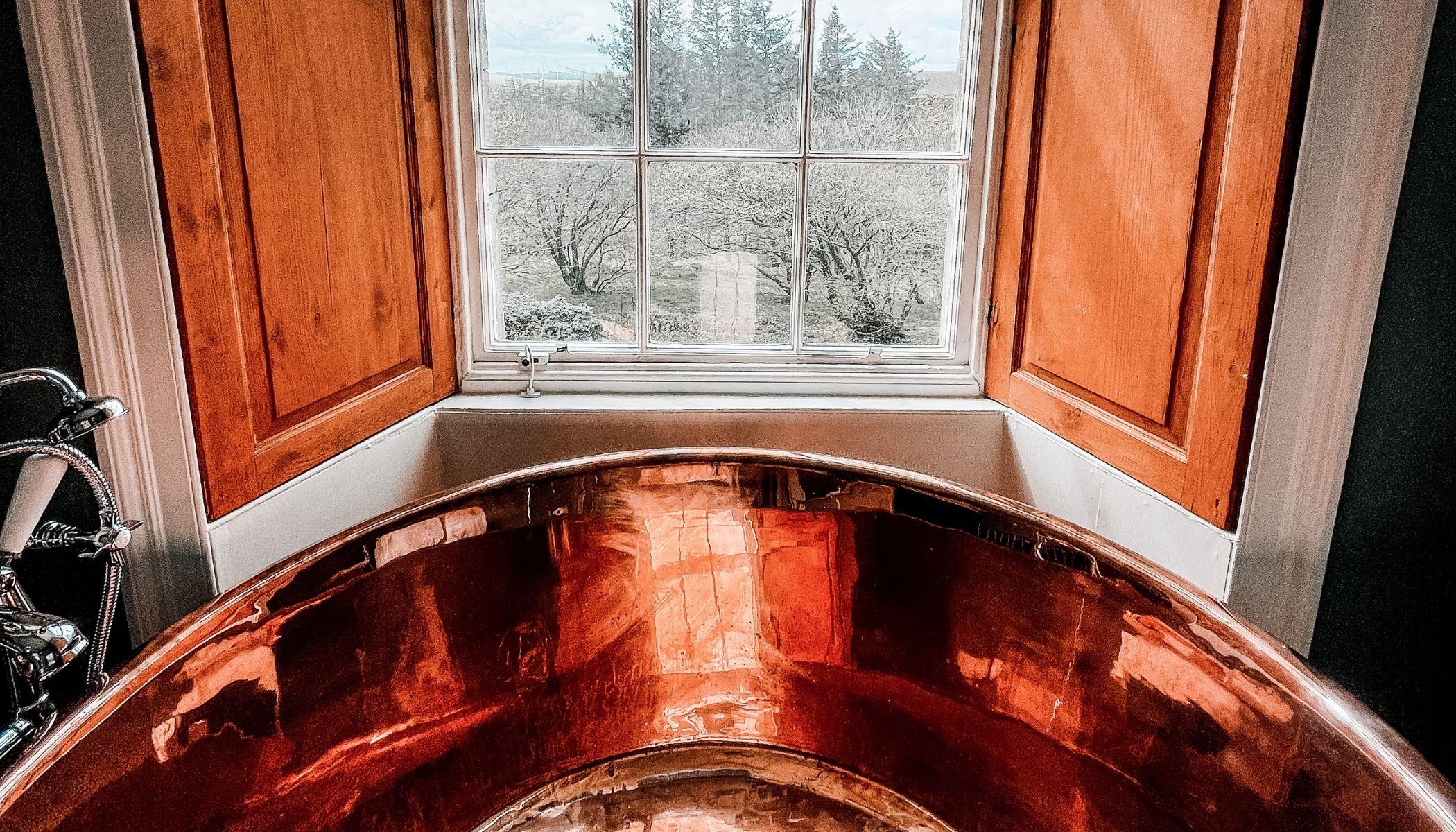Stunning Copper Tub