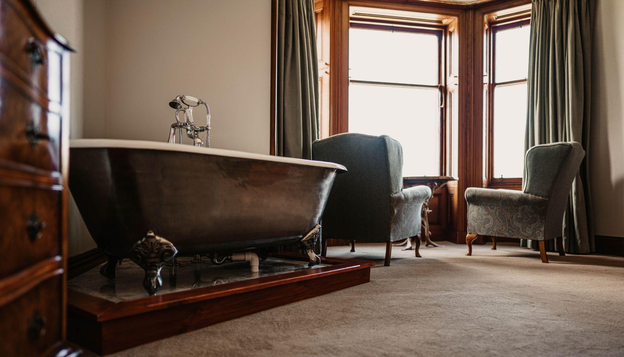 Bath tub in Suite