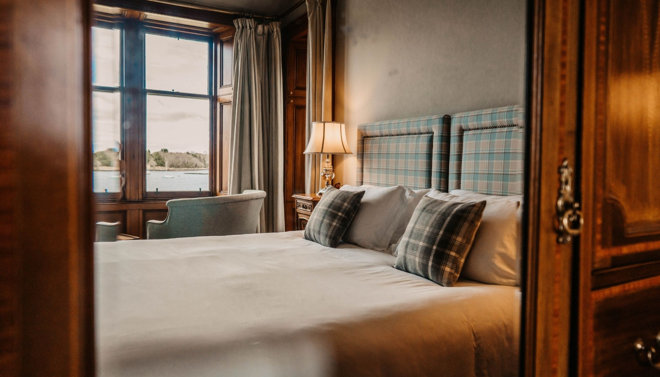Superior Room with Loch-views